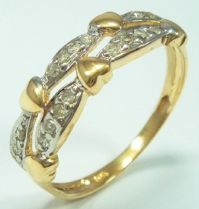 Diamond hearts ring
