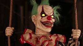ANIMATED SWINGING CHUCKLES CLOWN Outdoor Halloween Decor Prop PORCH DECOR - £106.43 GBP