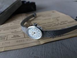 Ladies Watch Chayka 17 jewels in original box Vintage Women's bracelet watch Сla - $55.00