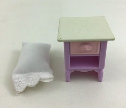 Fisher Price Loving Family Dollhouse Girl Sister Daybed Bedroom Lot Pill... - $9.85
