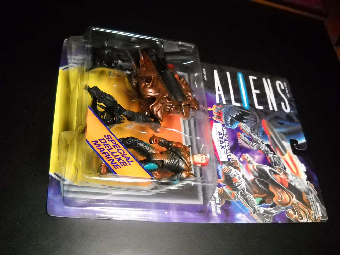 Toy aliens kenner 1992 atax in alien disguise deluxe space marine moc 01