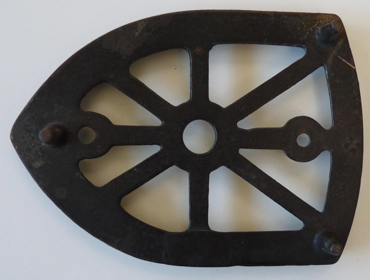 Antique cast iron trivet for sad iron shield primitive household