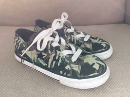 CONVERSE ONE STAR CAMOUFLAGE GREEN CANVAS SNEAKERS YOUTH SIZE 11 - $13.99