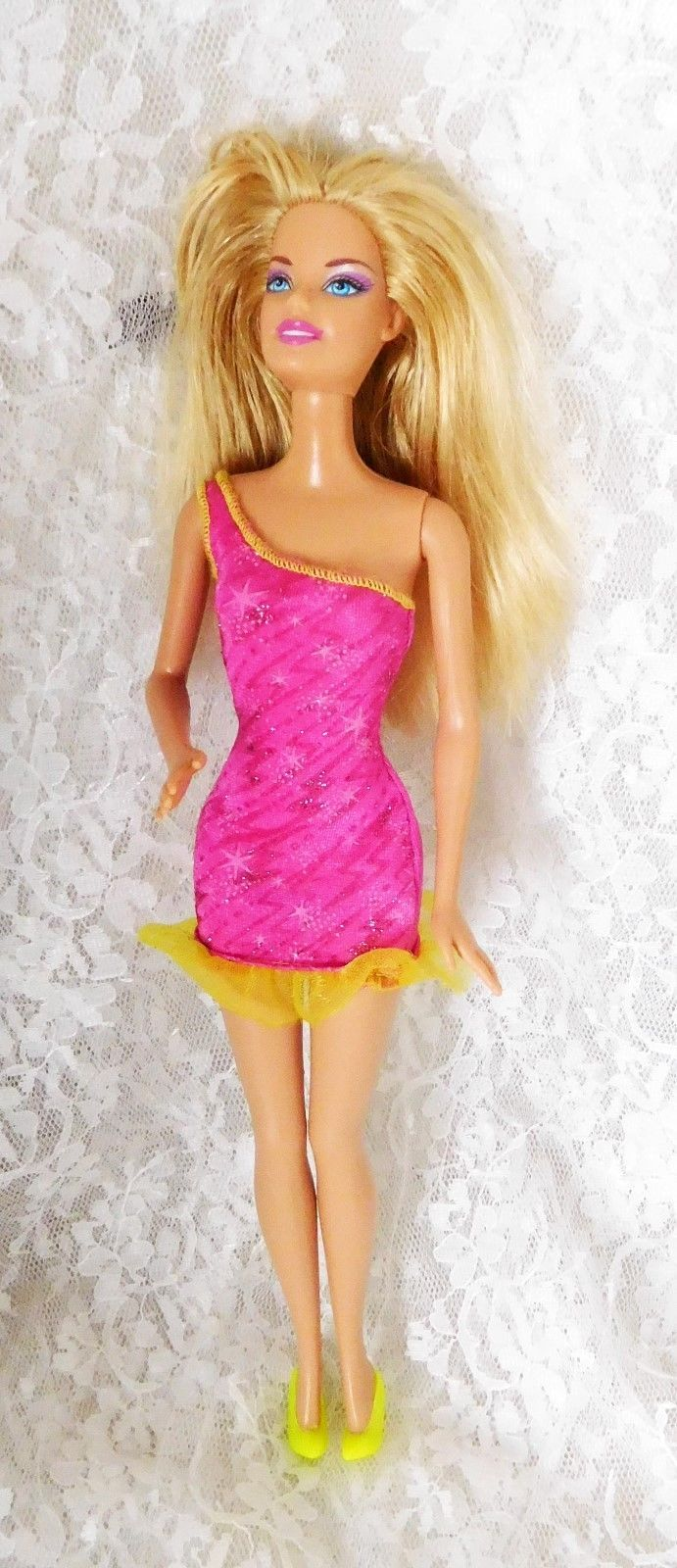 "1999 Mattel Barbie 11 1/2"" Doll #3252HF1 Bendable Knees - Blond Layered Hair - $9.49"