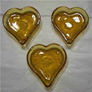 Tiara Nut Trays Amber Heart Shaped Set Of 3 New-Unused