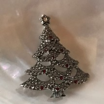 Estate Avon Signed Silvertone Clear & Red Rhinestone Accented Christmas ... - $8.59