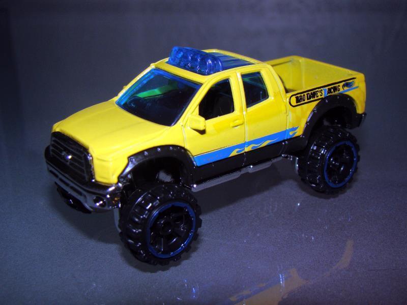 Hot Wheels - 2012 NEW ARRIVALS - '10 TOYOTA TUNDRA - $6.50