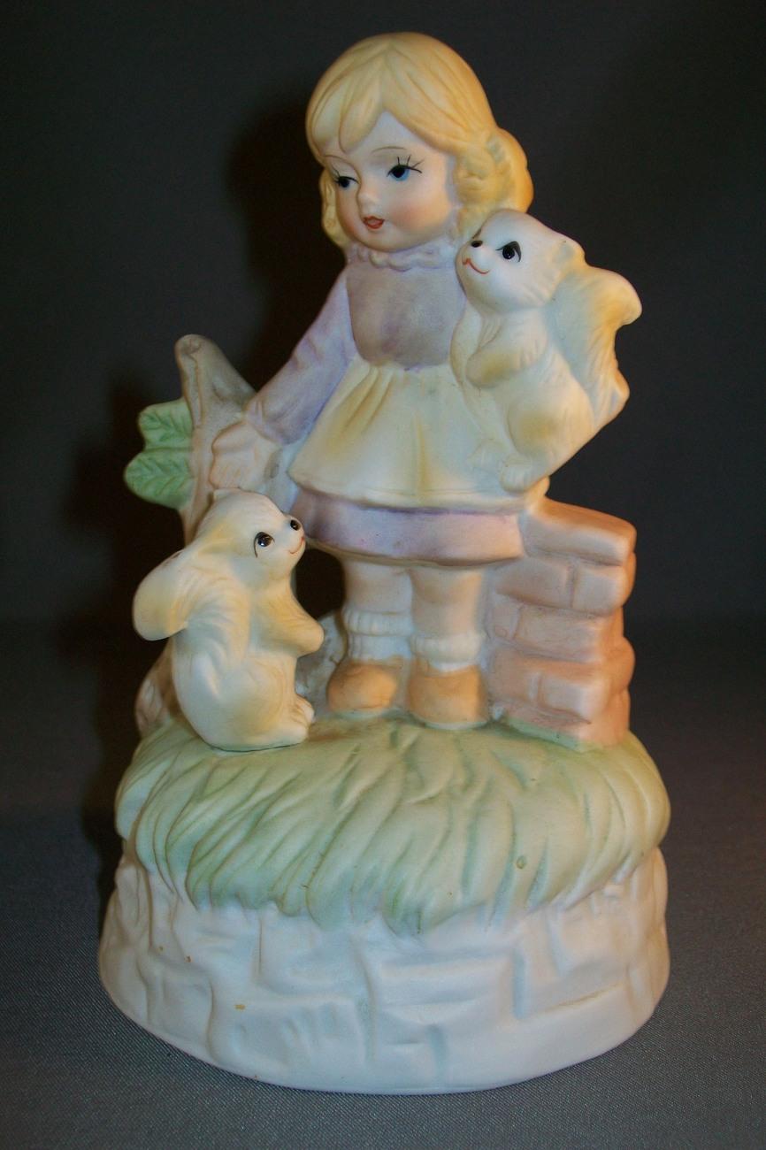 Figurine Little Girl With Squirrels Music Box Ceramic 1950-1960