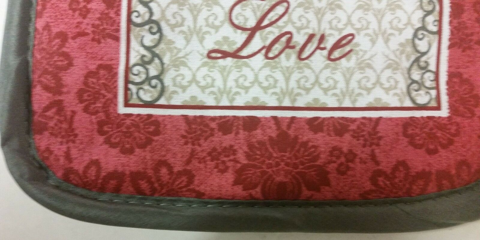 "2 Same Printed Kitchen Pot Holders (7""x 7'), FAMILY FAITH LOVE"