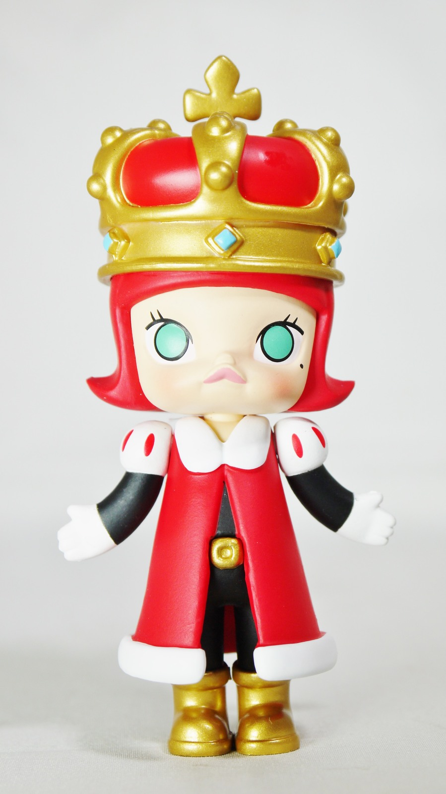 Pop mart kennyswork molly chess club checkmate king red 01
