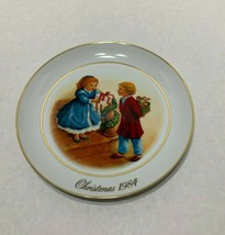 AVON Christmas Memories 1984 Collector Plate 22k Celebrate the Joy of Gi... - $4.95