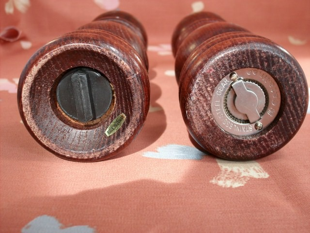 Vintage Wooden Pepper Mill with Matching Salt Shaker - Great Set!
