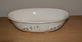 Pfaltzgraff Winterberry Oval Serving Bowl Dish Christmas Holly Berry - $9.65