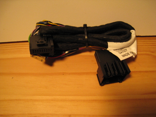 Primary image for Motorola IHF1000/1500/1700 VDA carkit harness - new - also for Saab - 3042260Z04