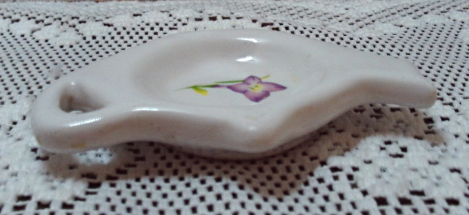 Vintage Tea Bag Rest // Spoon Rest Tea Pot Shaped bag Rest Purple Violet