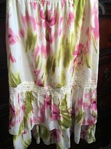 Versailles Floral Ruffle Skirt Size Small - $12.86