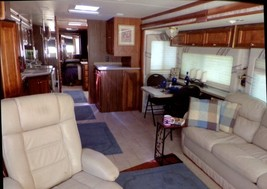 2004 Tiffin Phaeton 40 TGH w/ 3 slides For Sale in Cole Camp, Missouri 65325 image 3