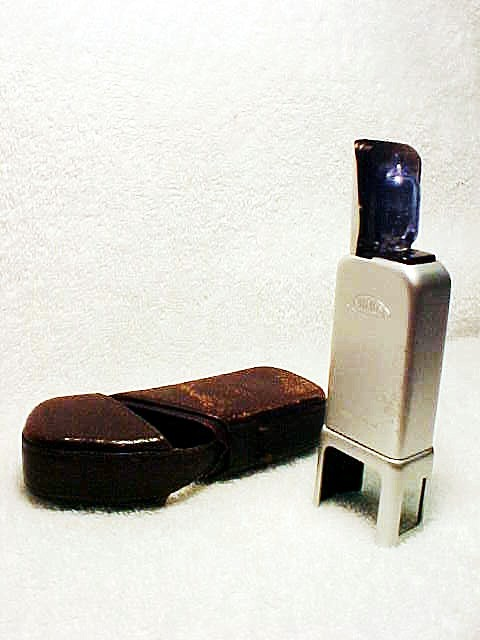 Minox Flash with case (No 19)