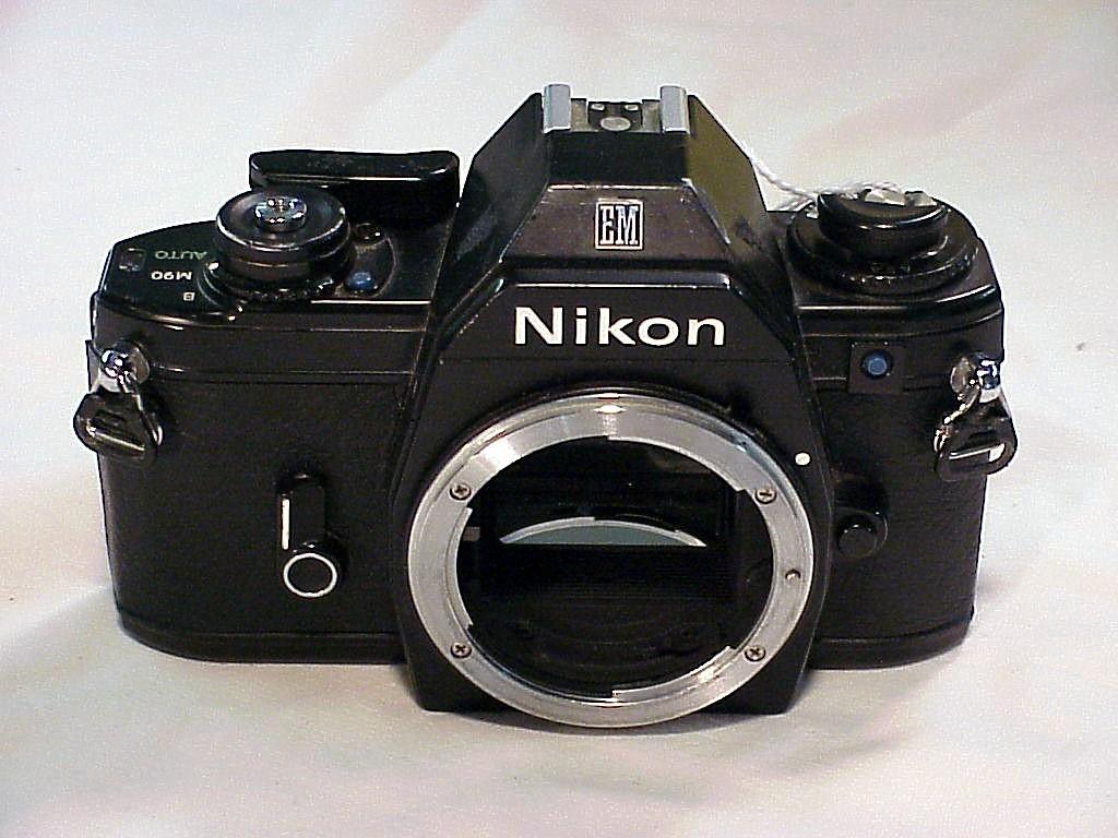 Nikon em camera body