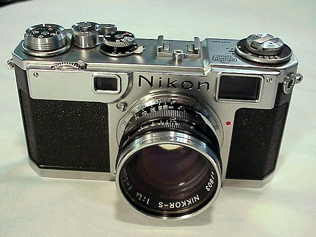Nikon s2 black dial camer3