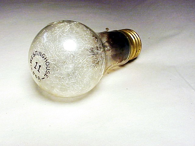 (1)   No 11 Flashbulb Westinghouse (No24)