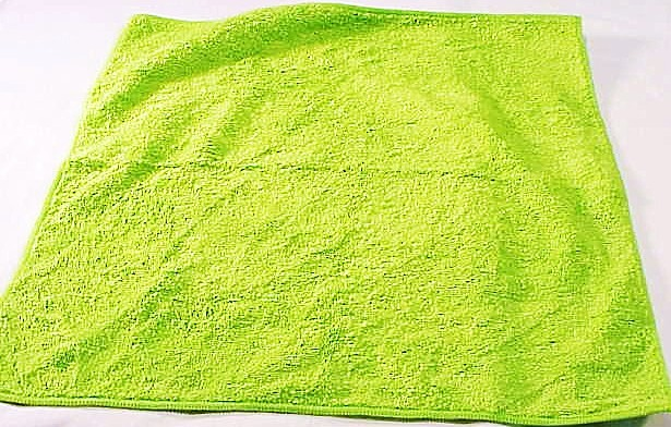 "13"" x 13"" Thick Micro Fiber Lens Cleaning Cloth"