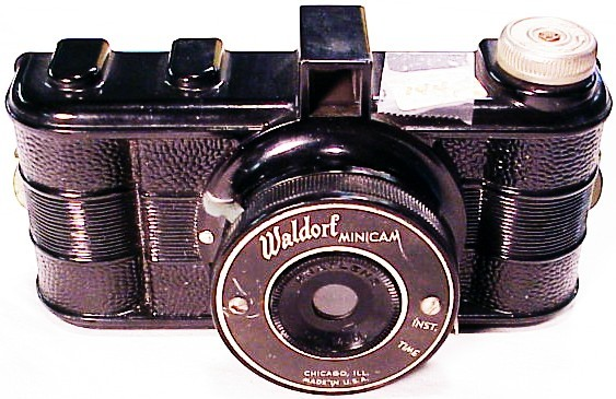 Waldorf Camera (127 film) (144S)