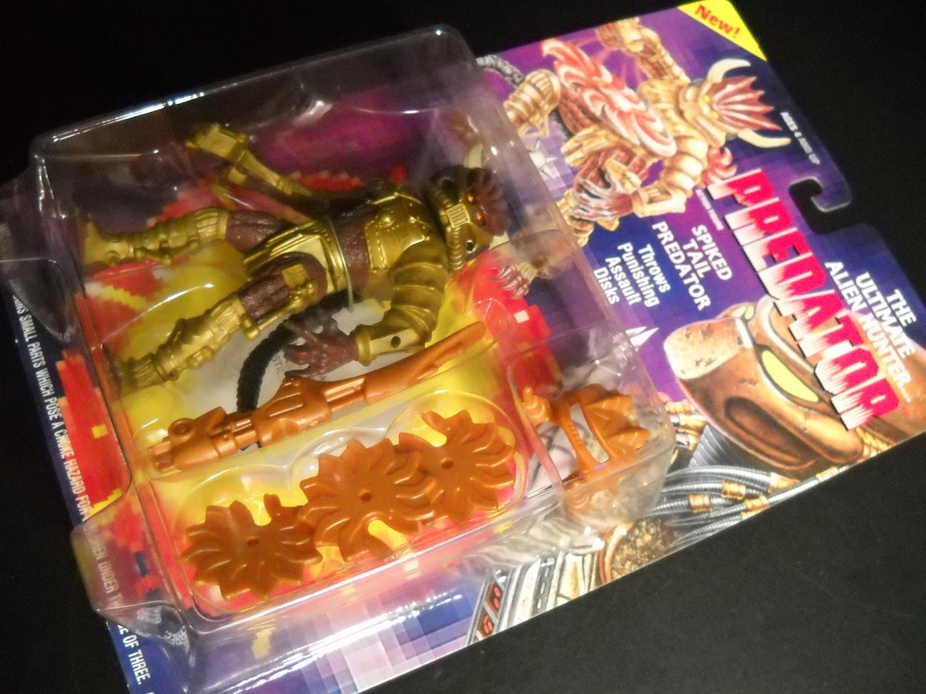 Kenner Predator 1994 Spiked Tail Predator Assault Discs Factory Sealed on Card