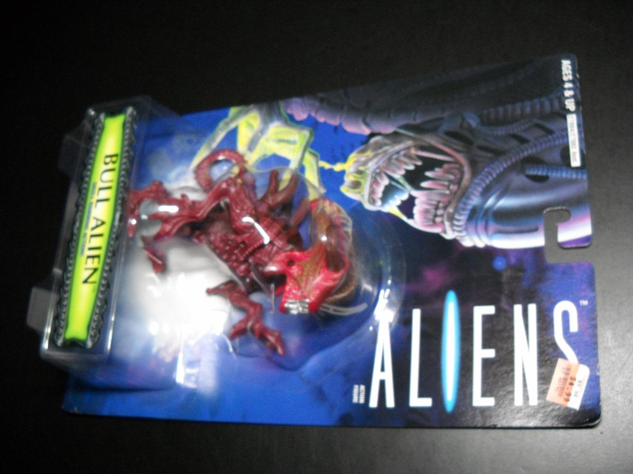 Toy aliens kenner hasbro 1996 bull alien moc 02