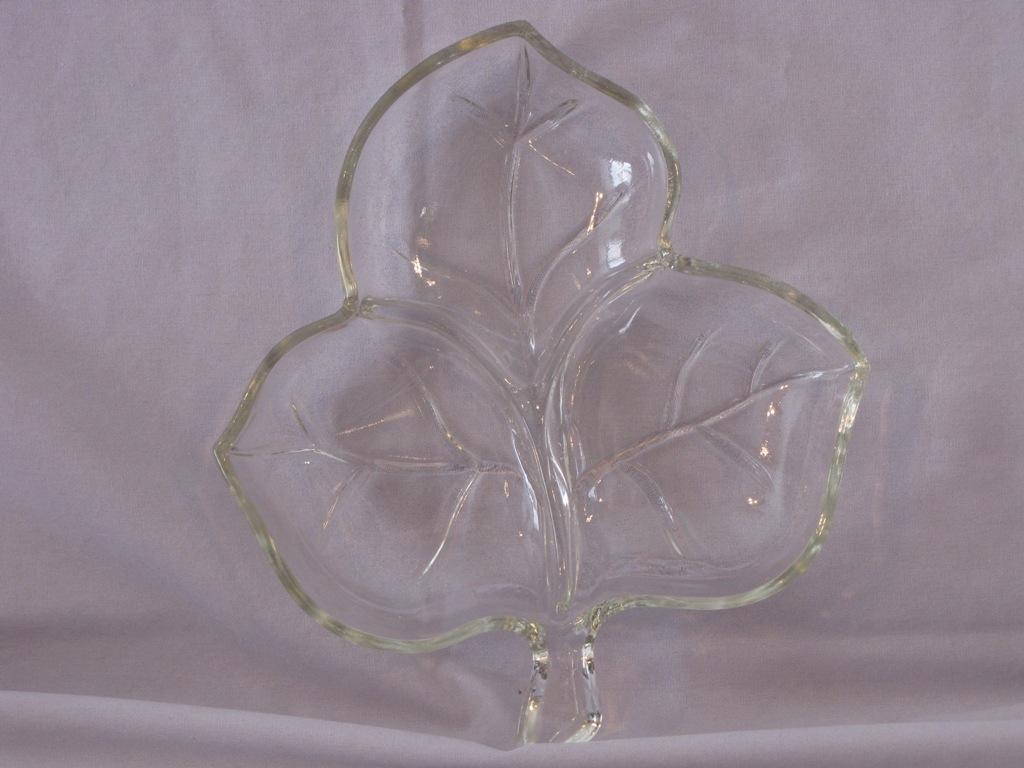 Maple Leaf-Shaped Relish/Candy Dish