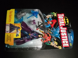 Kenner Hasbro Total Justice League Huntress 1997 Still Factory Sealed on... - $11.99