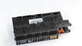 Mercedes W211 Trunk Fuse Relay Box SAM Module 2115454901 image 4