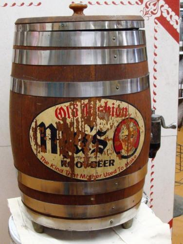 Rare Vintage Ma's Root Beer Fountain Dispenser Keg Wood Oak Barrel Sign on Side