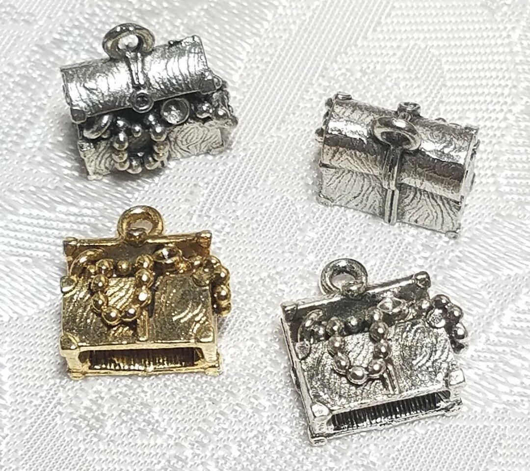 TREASURE CHEST FINE PEWTER PENDANT CHARM - 13x14x8mm