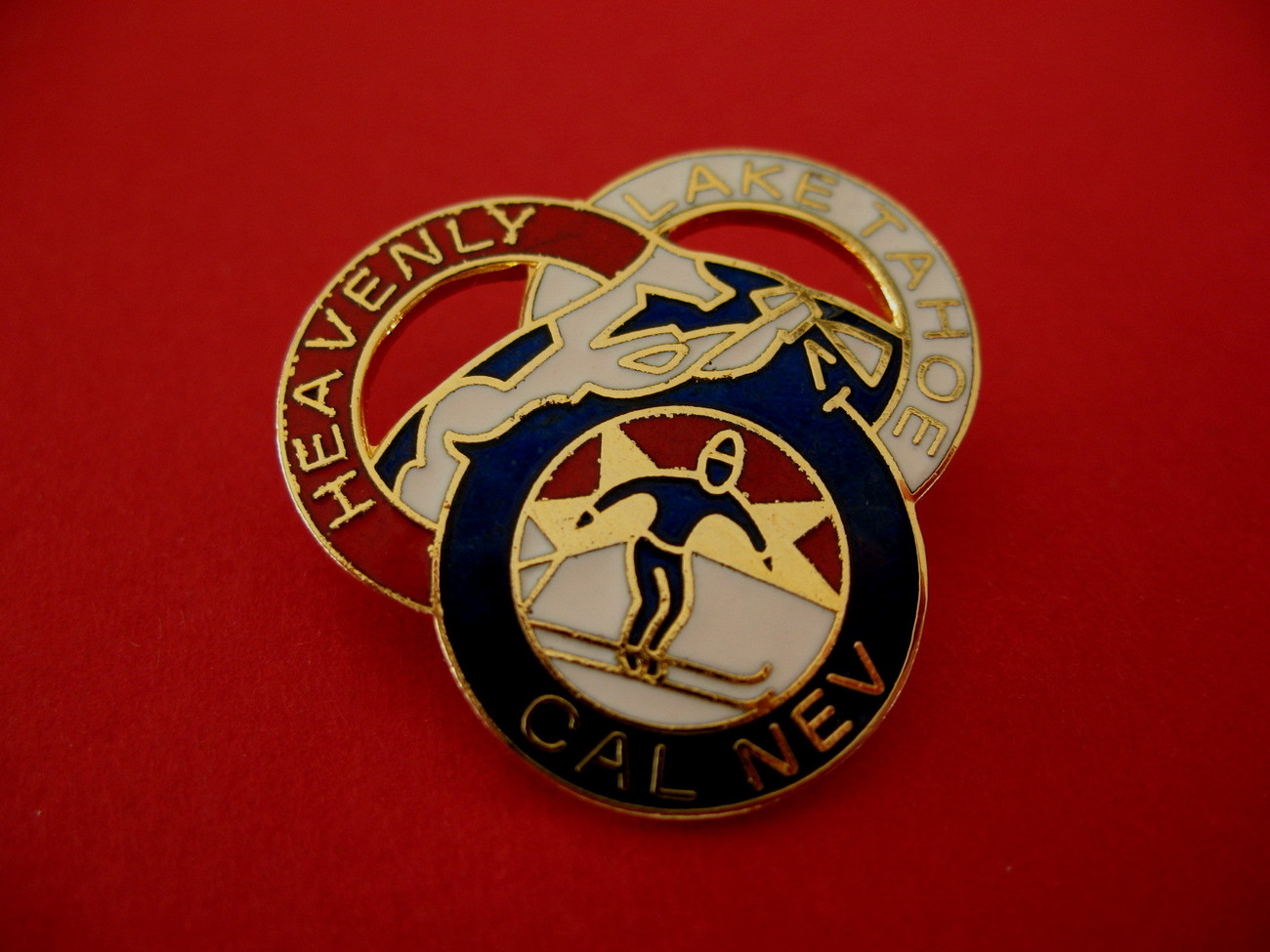 Heavenly Ski Lake Tahoe Cal Nev Souvenir Lapel Hat Pin