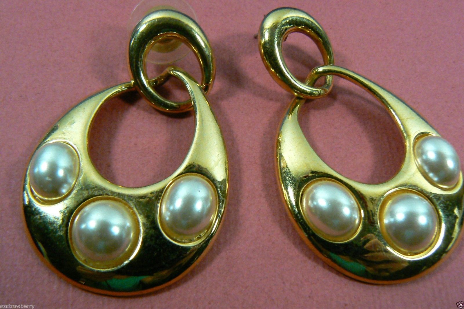NAPIER LARGE GOLD TONE WHITE PEARL FAUX TEARDROP CHARM EARRINGS