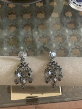 women's fashion earrings - $9.50