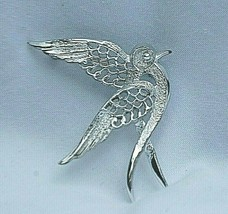 Sarah Coventry Designer Signed Jewelry Silver Tone Dove Fashion Brooch Bird Pin - $9.89
