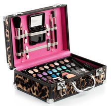 Makeup Kit Gift Set – 52 Piece - 32 Eye Shadows, 2 Blushes, 4 Lipsticks,... - $1.403,43 MXN
