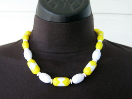 Avon Lucite Modern Art Deco Collection Choker NECKLACE Spectator Yellow ... - $19.75