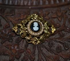 Vintage Cameo Brooch - $27.61