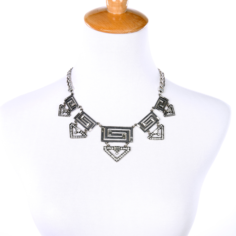 E style geometric hollow out silver color maxi necklace wholesale jewelry new pendant necklace 2