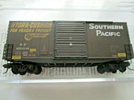 Micro-Trains # 10144060 Southern Pacific Weathered 40' Hy-Cube BoxCar N-Scale image 4
