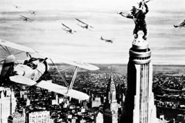 King Kong fights airplanes atop Empire State Building 18x24 Poster - $23.99