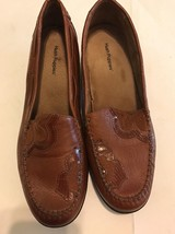 Hush Puppies Regent Saddle loafers brown women size 8.5 leather slip on Floral - $20.00