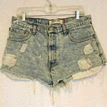Levi's 517 Denim Blue Jeans Short Shorts Street Wear Distressed Torn Womens - $21.77