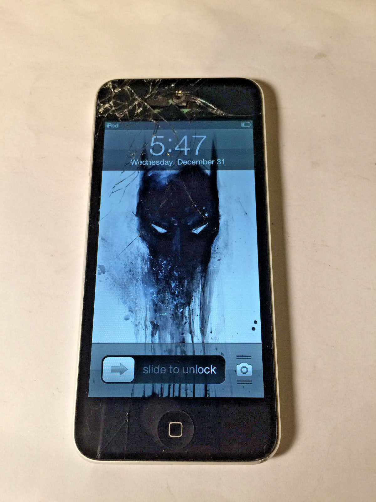 Apple iPod Touch 16GB 5th Generation A1509 Cracked Screen Powers On As Is