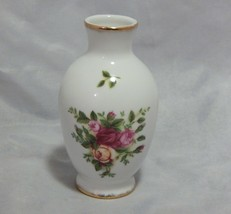 Royal Albert Old Country Roses Small Bud Vase - $8.91