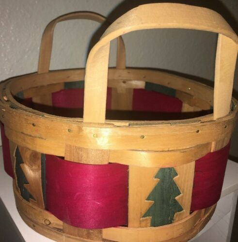 Primary image for Christmas Basket W/ Handle Rattan Woven Oval Red & Green Trees Collectible
