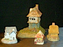 Cottages Holiday Decor Pieces (4) AB 630 Collectible Vintage image 5